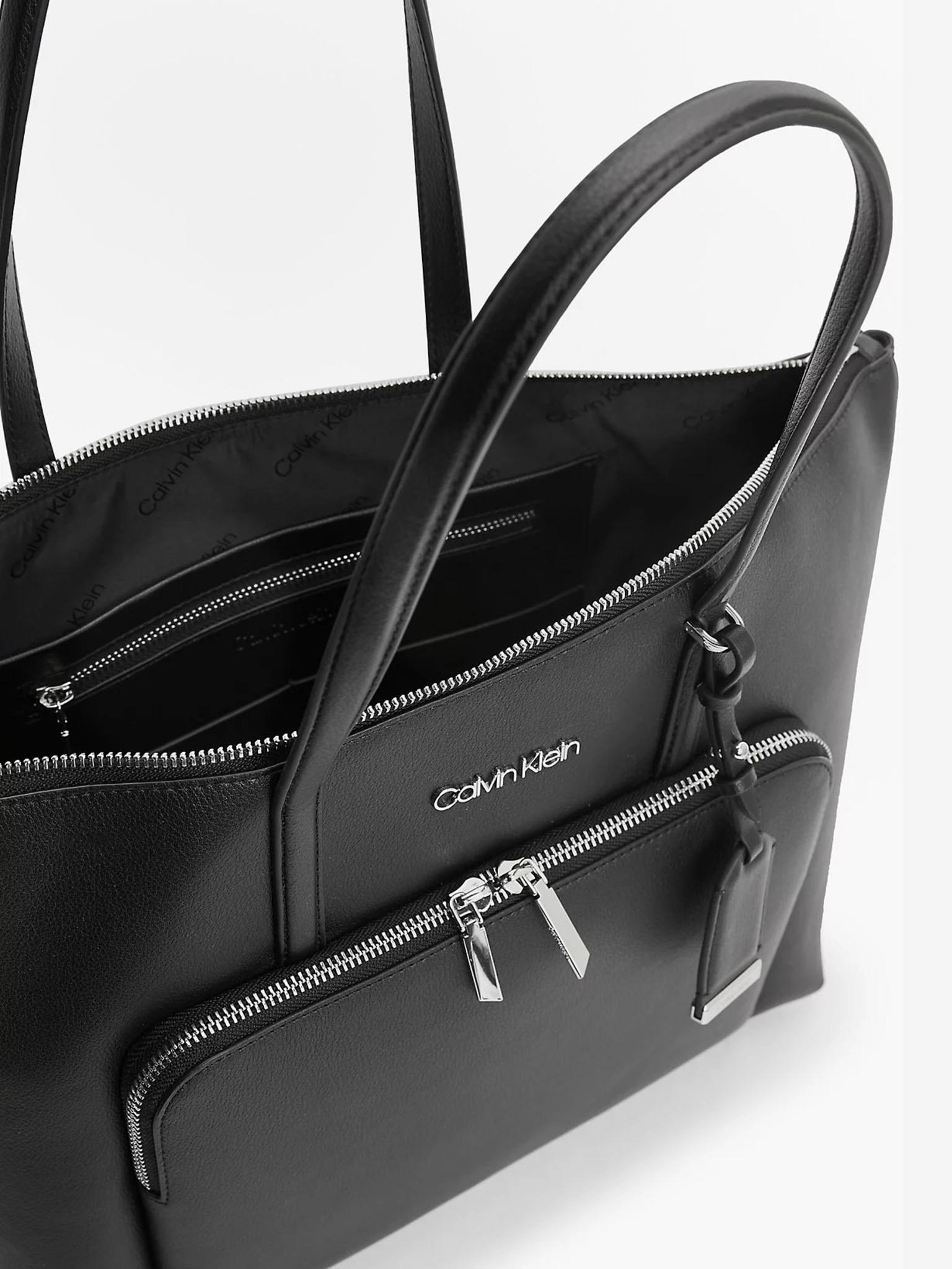 Calvin Klein nero acquirente Must