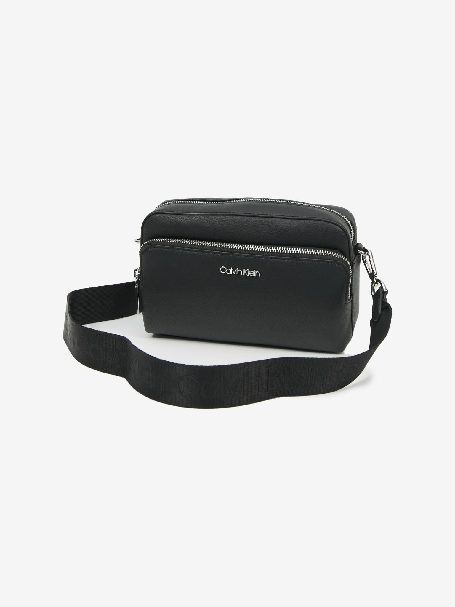 Calvin Klein nero in pelle crossbody borsetta Must Camera