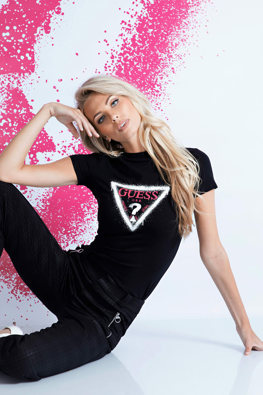Guess nero maglietta Triangle Logo T-shirt