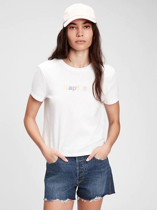 GAP bianco maglietta s nápisem